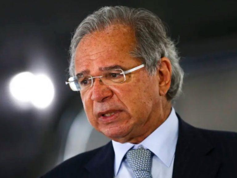 Guedes assegura que País segue no 'caminho da prosperidade'