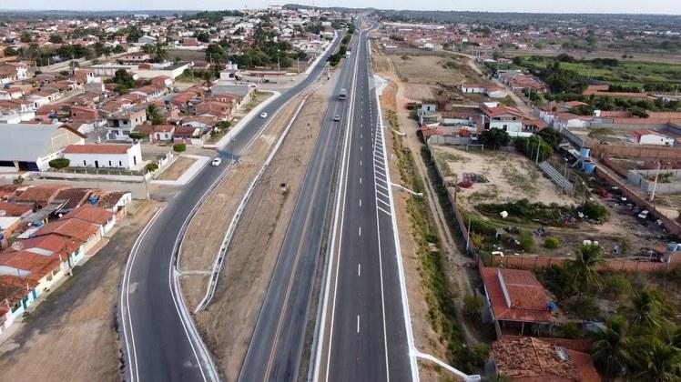 Governo Federal entrega duplicação da BR-116/Bahia até Santa Bárbara