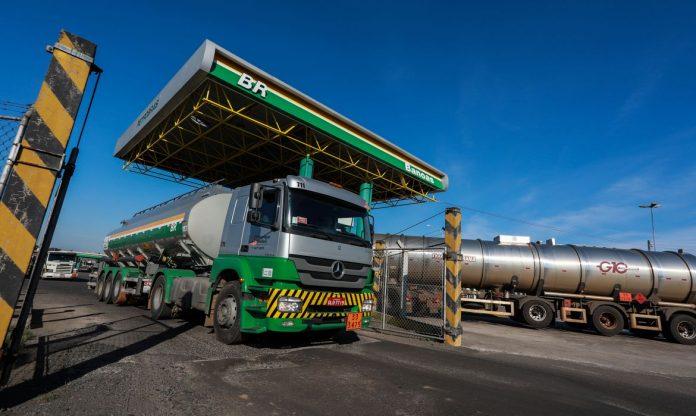Preço médio do diesel teve alta de 8,55% na primeira quinzena de março