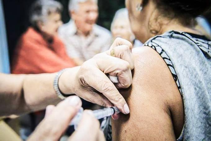 Funcionário que recusar vacina pode ser demitido por justa causa, diz MPT