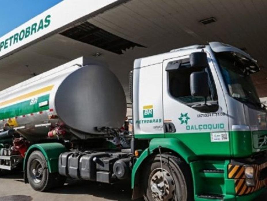 Diesel sobe 5% após fim da isenção de impostos