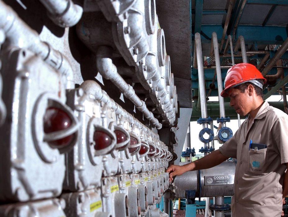 Confiança da indústria aumenta 4,8 pontos em maio