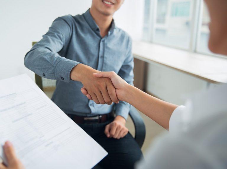 Brasil cria 280,6 mil postos de trabalho formal em maio
