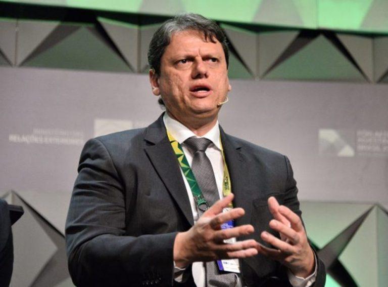 Ministro da Infraestrutura fala em redução de 35% no pedágio entre SP-RJ