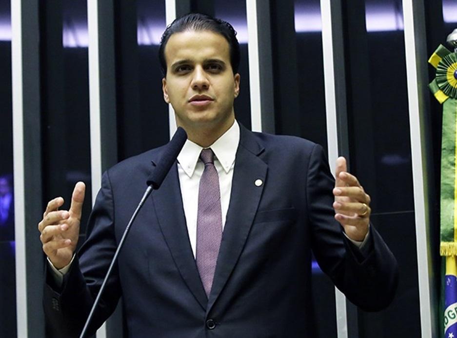 Deputado Federal Lucas Gonzalez solicita ao Ministério da Economia alteração em norma de adicional de periculosidade para motoristas