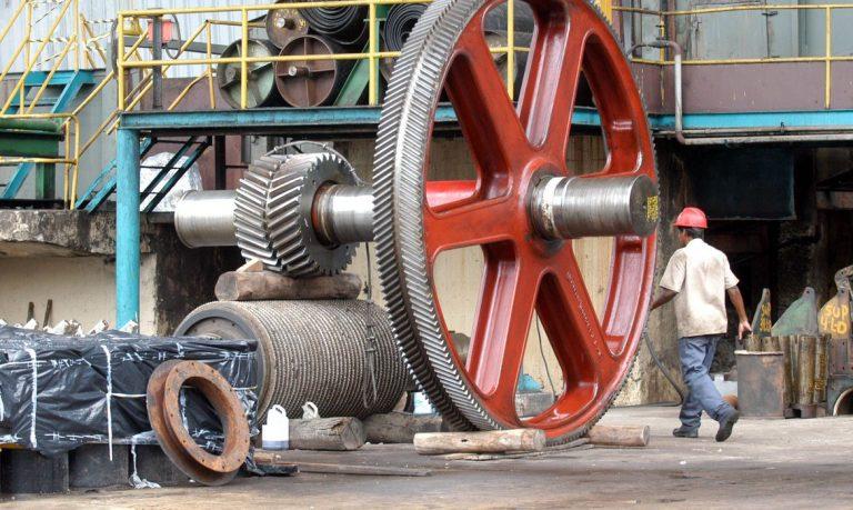 Setor de máquinas e equipamentos cresce 18% em fevereiro