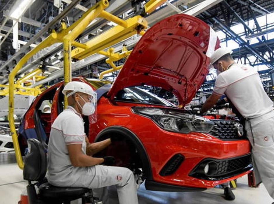 FMI vê final da crise e aumenta previsão de crescimento do Brasil