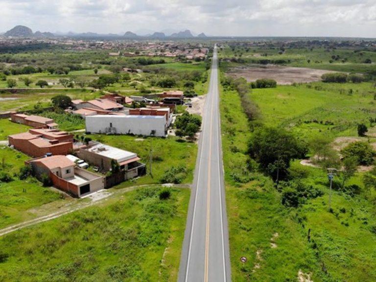 Governo Federal entrega 56 quilômetros restaurados da BR-122/CE