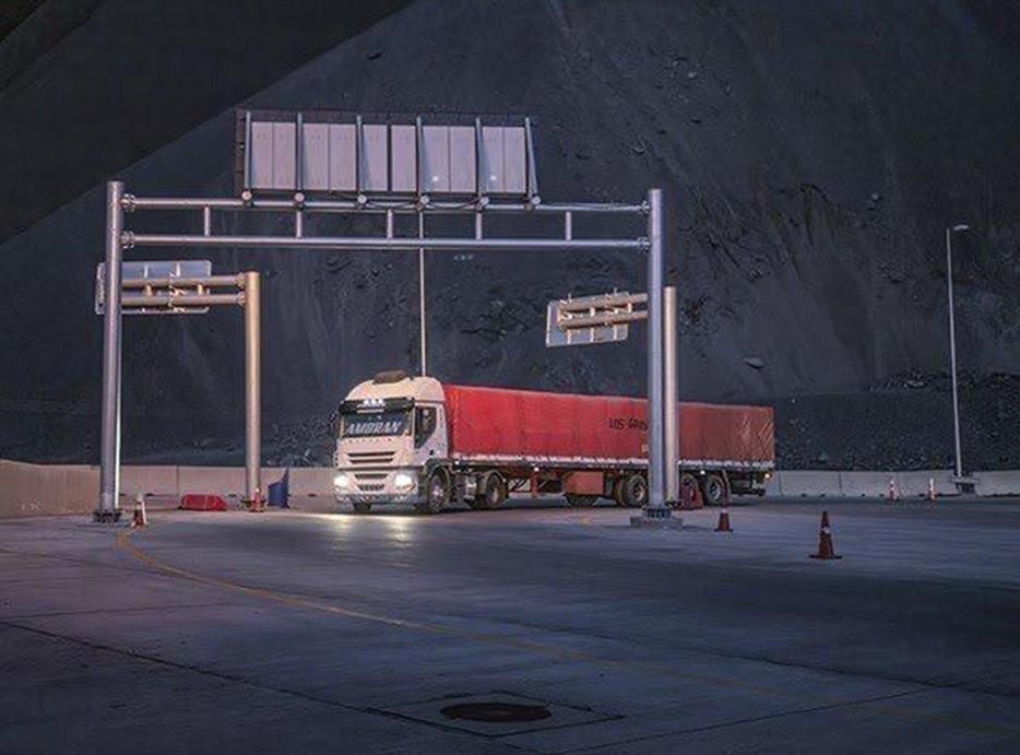 Temor de COVID faz vizinhos barrarem caminhão do Brasil