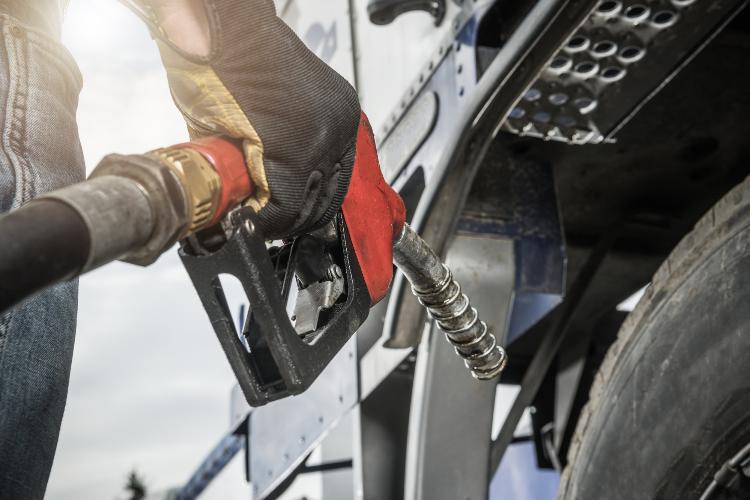 CNT acompanha, com atenção, a alta histórica do diesel