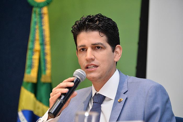 """""""Com as concessões, teremos altos investimentos nas rodovias federais, e grande parte deles será aplicado em segurança viária"""", afirmou Marcelo Sampaio"""