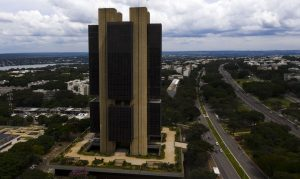 Mercado financeiro eleva projeção da inflação para 4,81% este ano