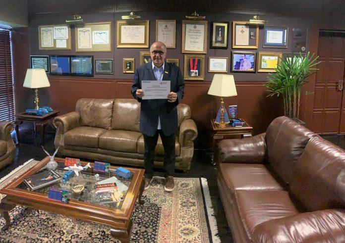 Dono da Braspress, Urubatan Helou recebe o título de embaixador do Rio de Janeiro