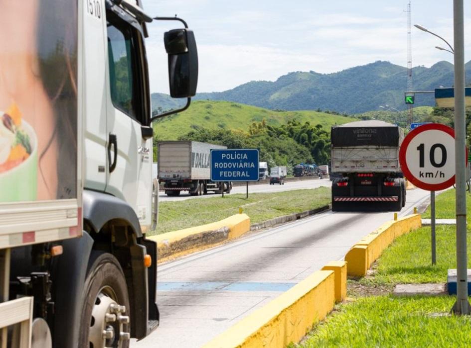 Reduzir burocracia é o caminho para o crescimento do transporte terrestre, diz secretário