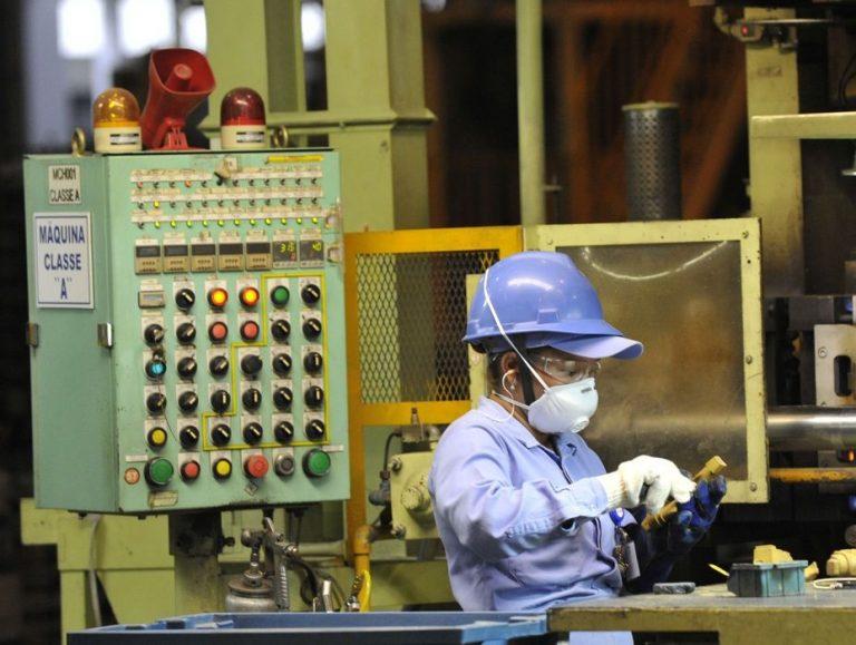 Atividade econômica cresce 2,3% no primeiro trimestre, diz BC