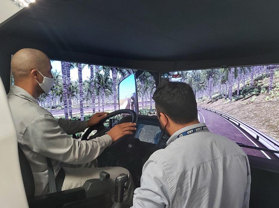 Treinamentos em simuladores contribuem para uma direção mais segura