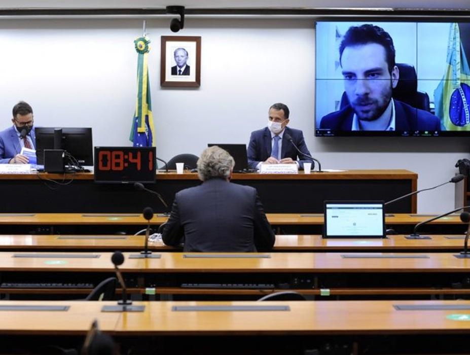 Setor privado faz sugestões para desburocratizar ambiente brasileiro de negócios