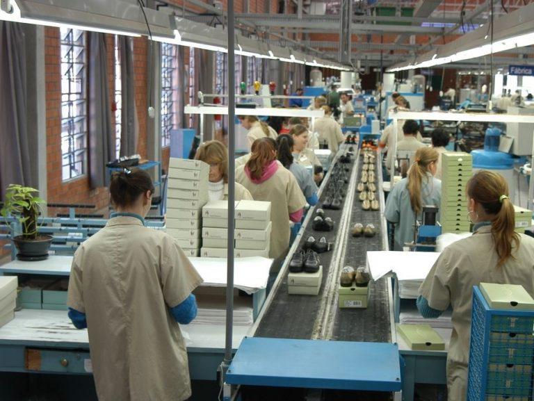 Estoques da indústria voltam a ficar próximos do planejado