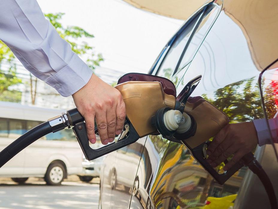 Petrobras reduz preço da gasolina; Diesel segue inalterado