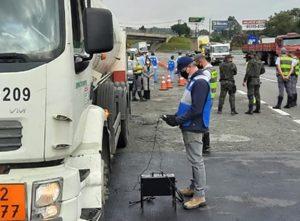 Cetesb realiza megacomando e multa 797 veículos diesel que emitiam fumaça preta em excesso