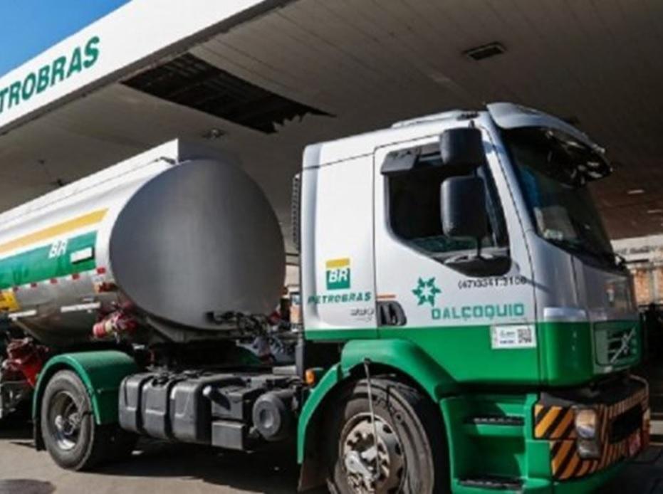 Preço do diesel estabiliza, mas gasolina ainda sobe em junho