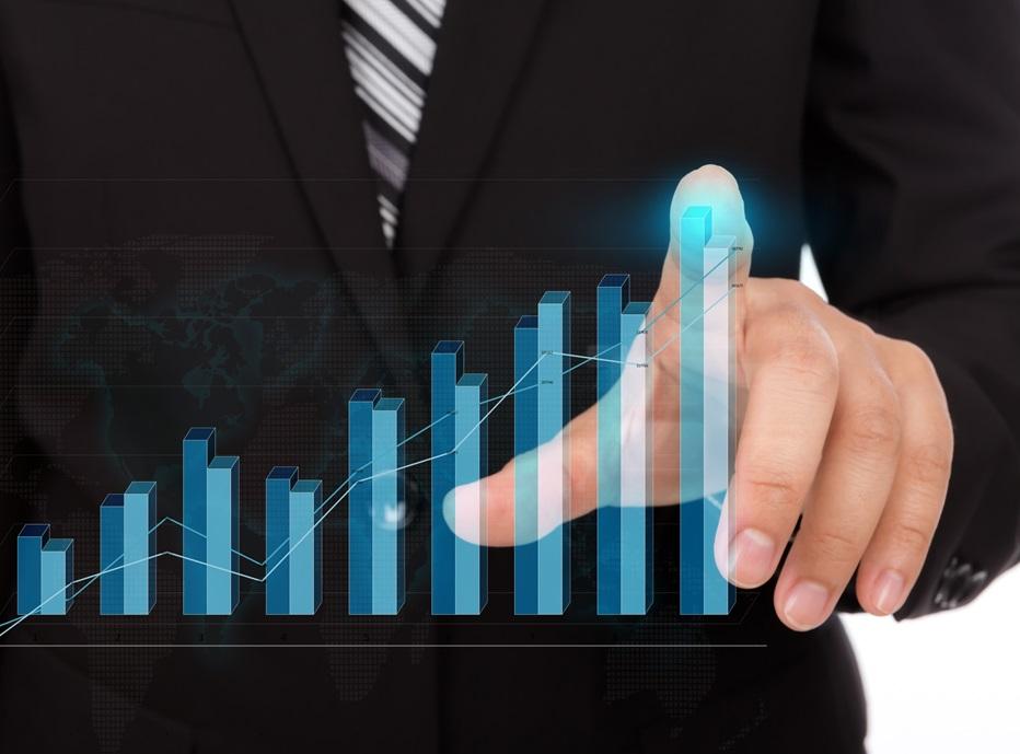 CNI aumenta previsão de crescimento da economia para 4,9%, neste ano