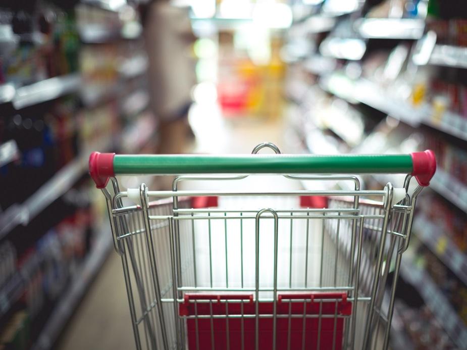 Reabertura injeta mais ânimo no comércio, mas alta nos preços preocupa