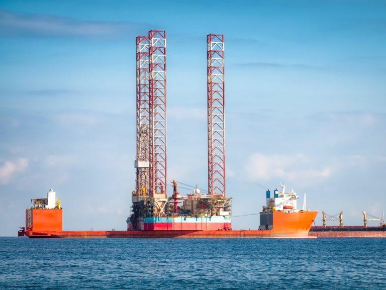 Painel da produção de petróleo mostra recorde da Bacia de Santos