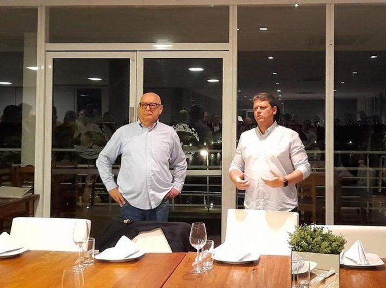Ministro da Infraestrutura tem encontro com transportadores em Porto Alegre