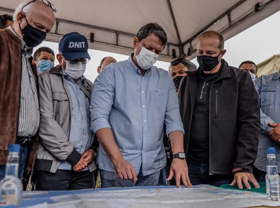 No Rio de Janeiro, ministro adianta inclusão do Arco Metropolitano à concessão da BR-116