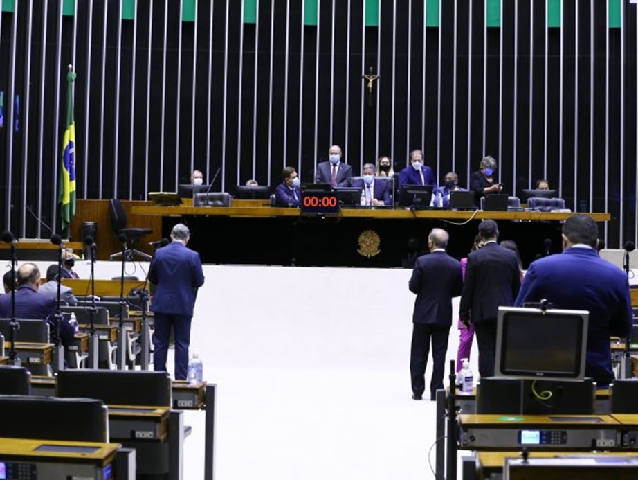 Câmara pode votar hoje MP que amplia tolerância para pesagem da carga de caminhões